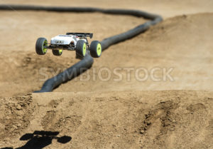 Huge air for an 1/8th scale truggy - Shot Your show