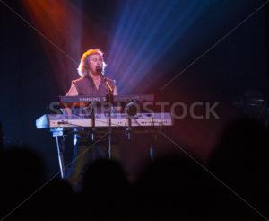 Kansas keyboardist Ronnie Platt performing - Shot Your show
